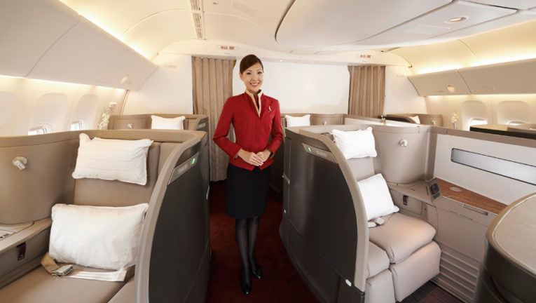 Cathay Pacific fjerner munnbind