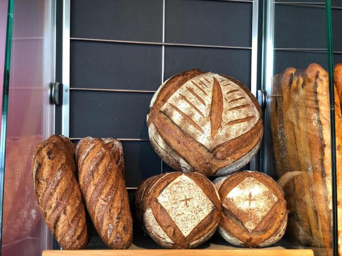 Pains complet intégral et tourtes de meule BIO - Boulangerie des Freres Blavette