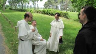 De gauche à droite : frère Grégoire (Lille), frère Cyrille (Toulouse) et frère Olivier (Lille)