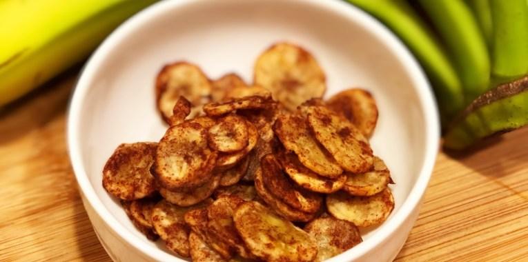 Baked Cinnamon Green Banana Chips