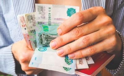 Крымчанка потеряла миллион, попытавшись получить 2 тысячи в сети