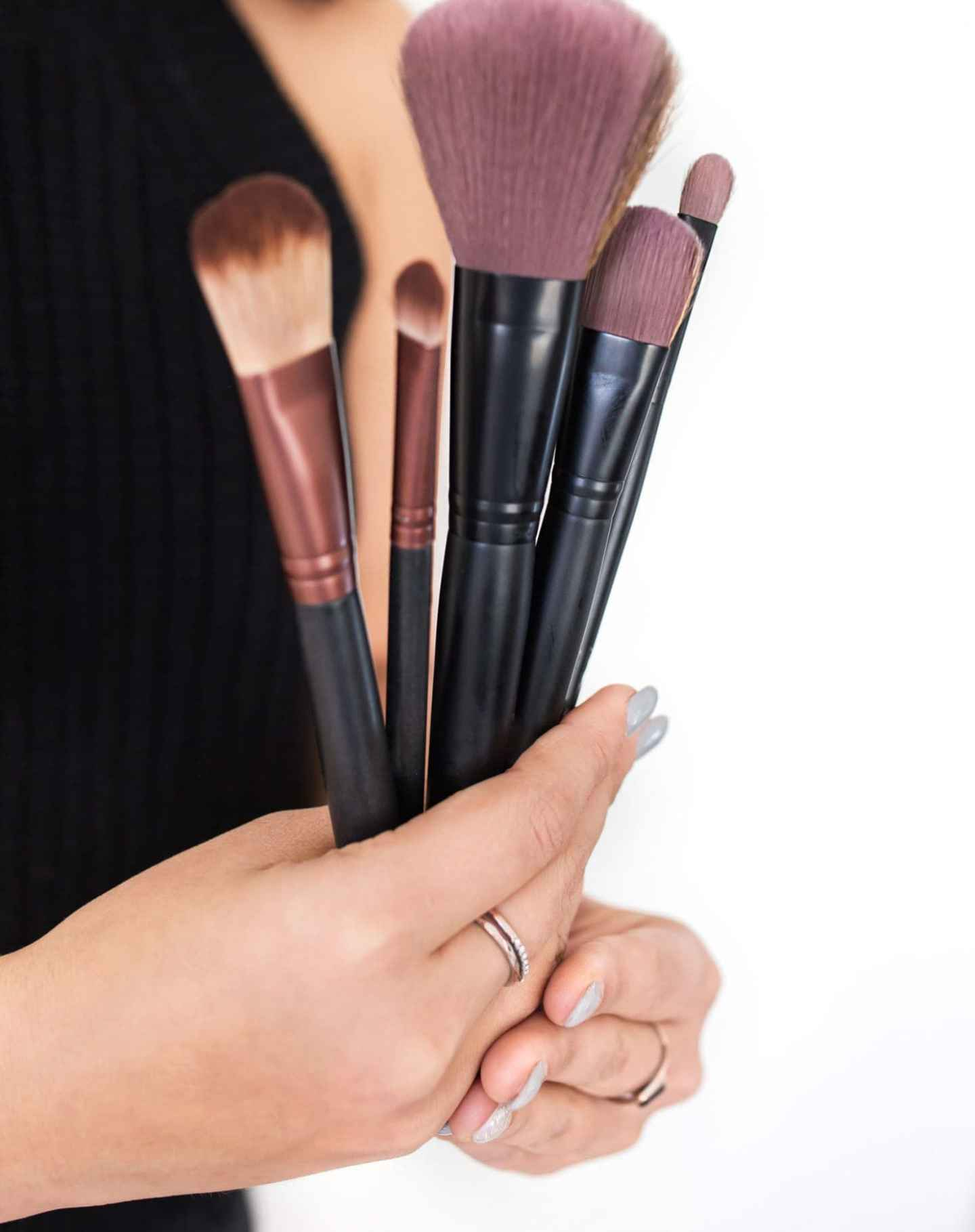 Makeup in Humidity; How to apply humidity proof makeup in the summer