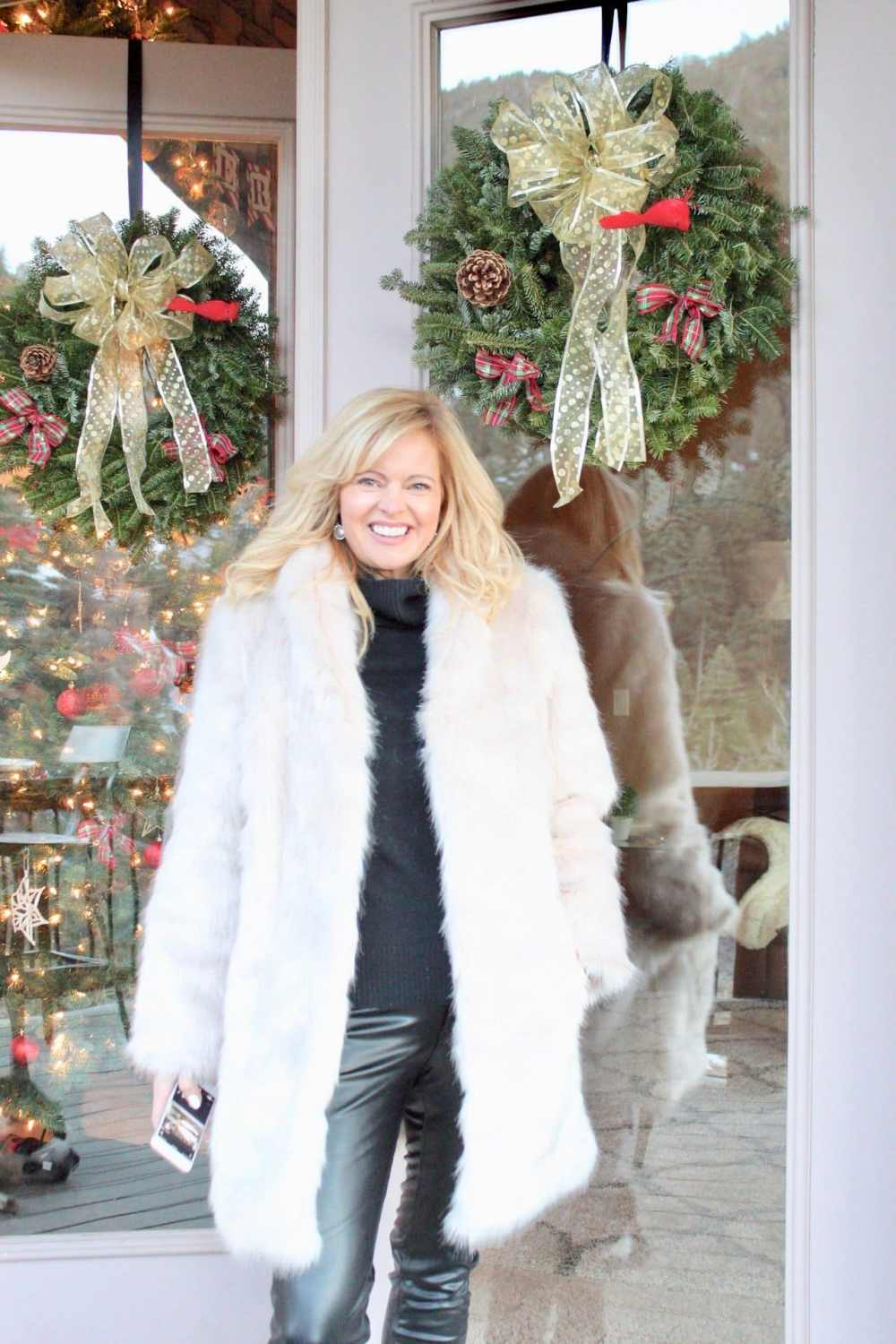 What to wear to holiday parties. If you are over 40, here's how to strategically craft a stylish holiday party outfit!