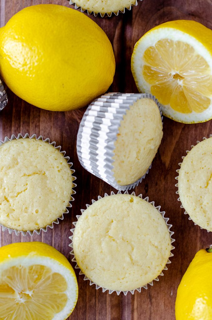 lemon cupcakes without frosting on top