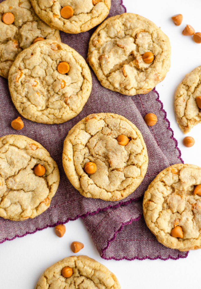 Butterscotch Cookies: Easy brown sugar drop cookies filled with a heavy dose of butterscotch chips. No chilling required!