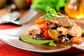 Stir-fry with beef and vegetables,Asian cuisine