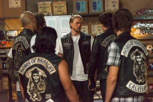 "SONS OF ANARCHY -- ""Suits of Woe "" -- Season 7, Ep. 11 -- Aired Nov. 18, 2014 -- Pictured: (center) Charlie Hunnam as Jax Teller. CR: Prashant Gupta/FX."