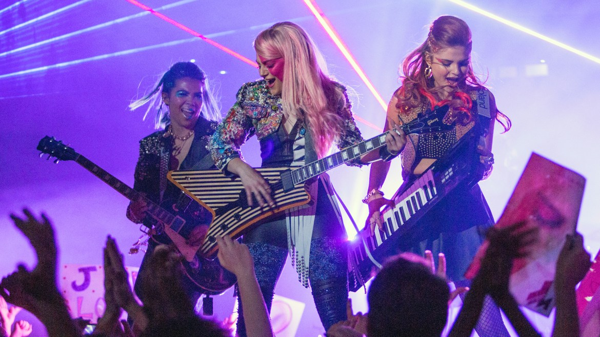 7 Truly Outrageous Reasons Why You Shouldn't Miss 'JEM AND THE HOLOGRAMS'