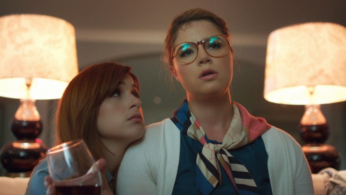 """YOU'RE THE WORST -- """"We Can Do Better Than This"""" -- Episode 205. L-R: Aya Cash as Gretchen Cutler, Donohue as Lindsay Jillian. Photo courtesy of FX."""