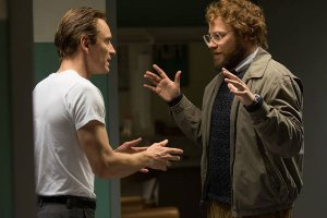 L-R: Fassbender as Jobs, Seth Rogen as Steve Wozniak. Photo courtesy of Universal Pictures.