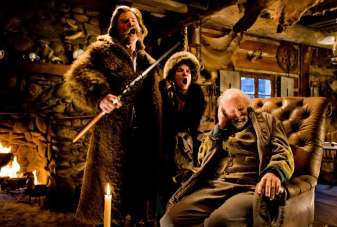 (L-R) KURT RUSSELL, JENNIFER JASON LEIGH, and BRUCE DERN star in THE HATEFUL EIGHT Photo: Andrew Cooper, SMPSP / © 2015 The Weinstein Company. All Rights Reserved.