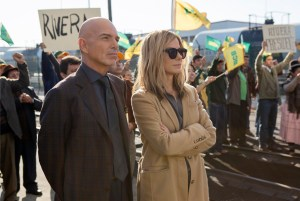 Billy Bob Thorton and Sandra Bullock in OUR BRAND OF CRISIS. Photo courtesy of Warner Bros.