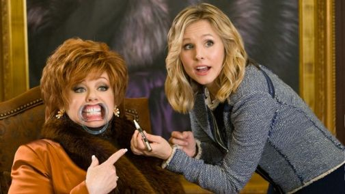 Melissa McCarthy and Kristen Bell (Photo Courtesy of Universal Pictures)