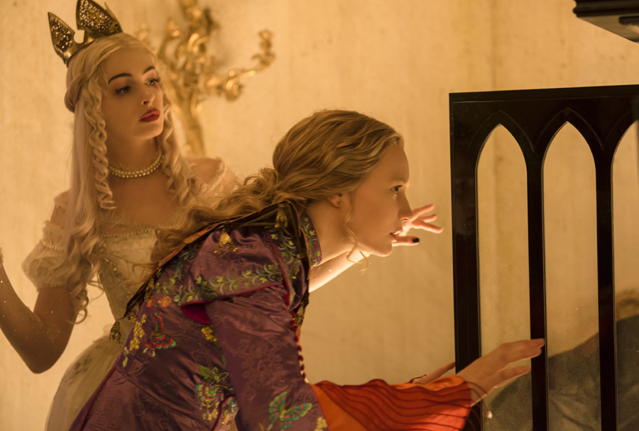 Anne Hathaway, Mia Wasikowska & 'ALICE THROUGH THE LOOKING GLASS' filmmakers talk defiant feminism