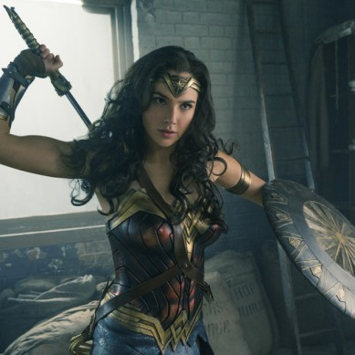 'Wonder Woman' #SDCC trailer is wonderful & wonder-filled