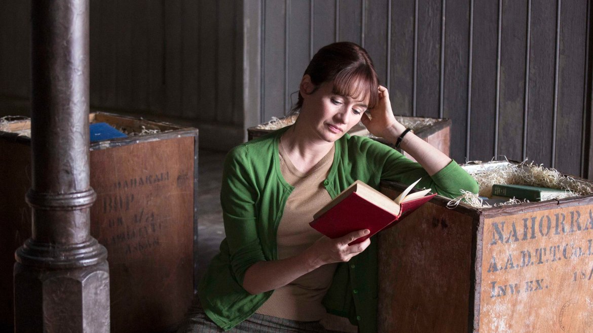 Movie Review: Despite some tears in its pages, 'THE BOOKSHOP' is filled with beauty