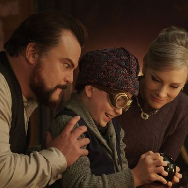 Movie Review: 'THE HOUSE WITH A CLOCK IN ITS WALLS' a family-friendly spooky tale