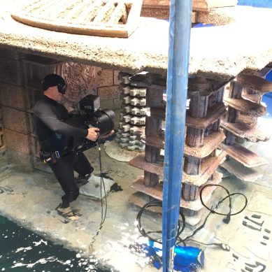 Framing movie stars underwater: 'JUNGLE CRUISE' aquatic cinematographer Ian Seabrook dives into his craft