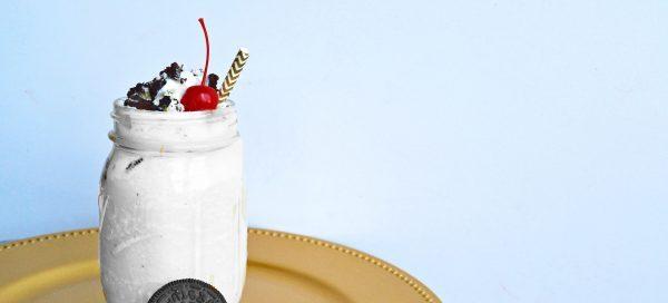 healthy oreo milkshake