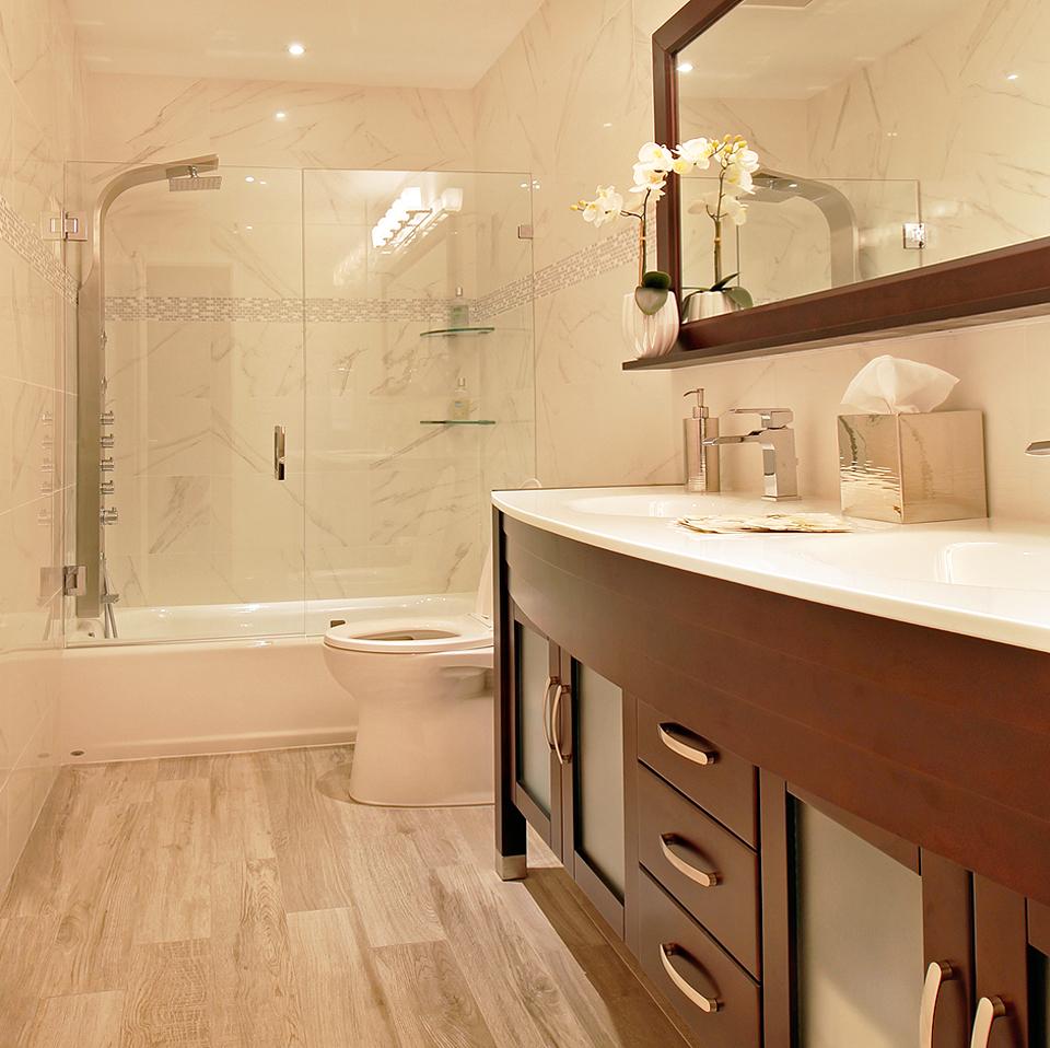 Casual Guest Bathroom