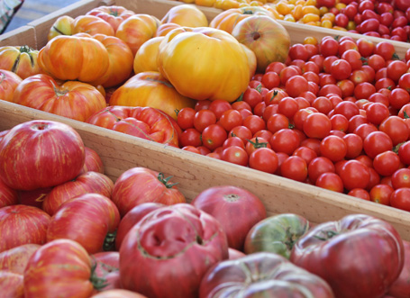 Farmers Market tomatoes 7-12