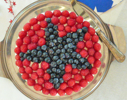A patriotic cheesecake for the 4th of July.