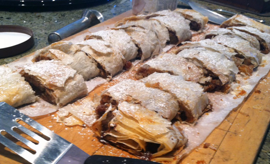 Apple Strudel recipe from FreshFoodinaFlash.com is irresistible!