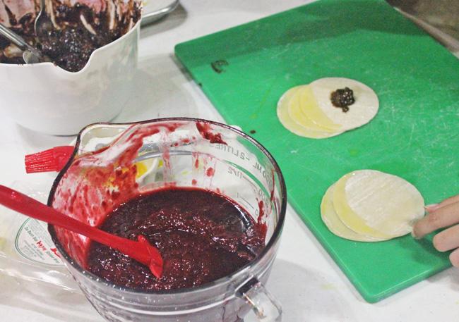 Chocolate Raspberry Wontons recipe at FreshFoodinaFlash.com
