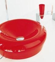 Badezimmer Ideen   auffallende farbige Waschbecken