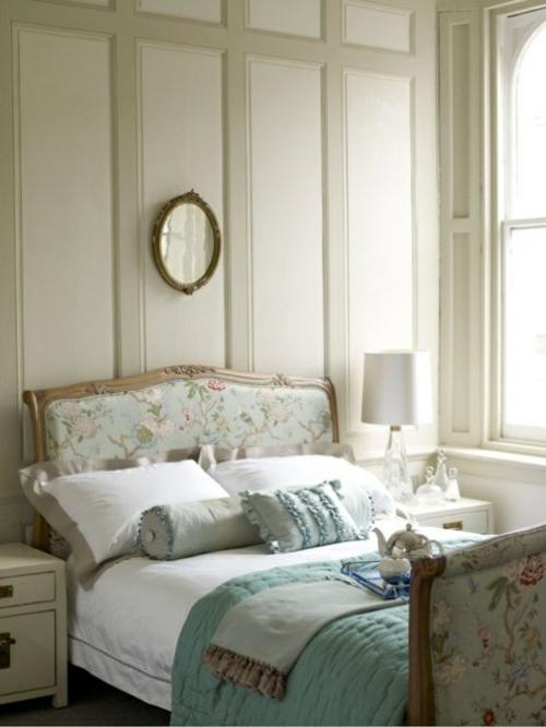 Romantisches Schlafzimmer In Blau Attraktiv On Schlafzimmer, Wohnzimmer  Design