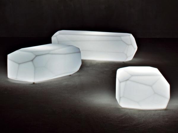 Durchsichtige Mbel aus Kunststoff Sitze und Tische von Serralunga