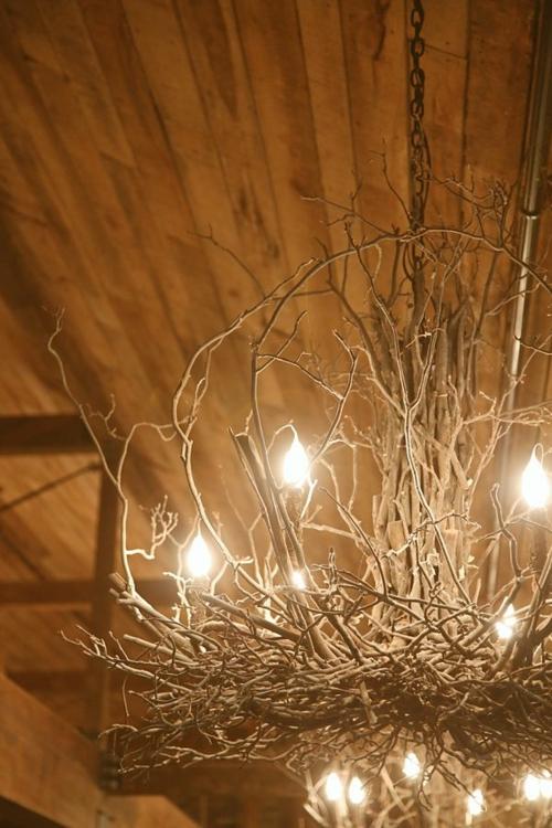 25 selbstgemachte Kronleuchter aus Zweigen