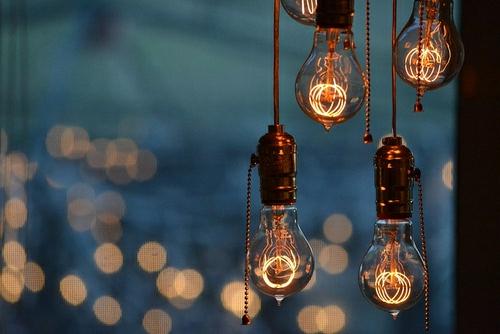 Coole DIY Lampen aus Glhbirnen basteln  schn und funktional