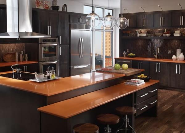 kuche in schwarz braun arbeitsplatte aus eiche - boisholz - Küche Schwarz Braun