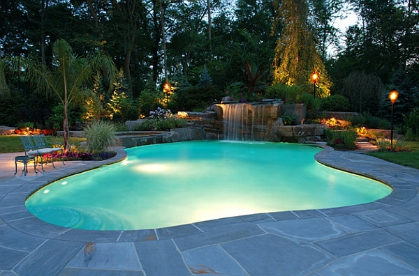 Garten Mit Pool Baumen Exotik Gartenbeleuchtung Laternen