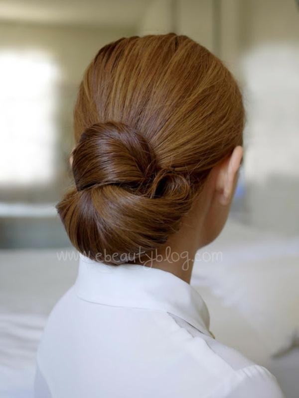 10 Atemberaubende DIY Dutt Frisuren Im Trend