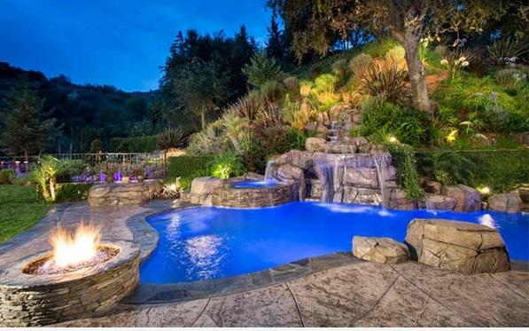 Gartengestaltung Ideen Garten Pool Und Feuerstelle Rasen