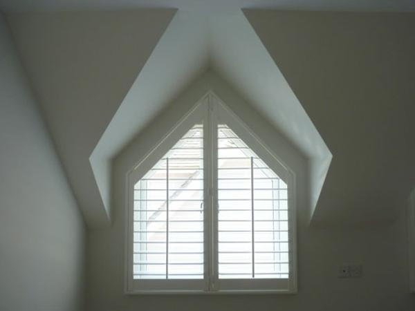 Dreiecksfenster verdunkeln  Fenster Rollos und Fensterfolien anwenden