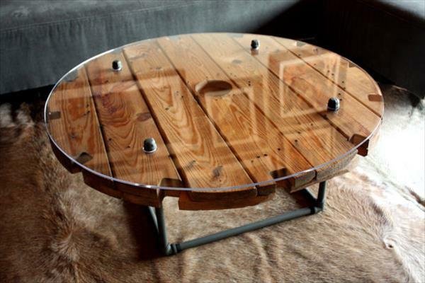 DIY Holz Wohnzimmermbel aus Kabeltrommeln