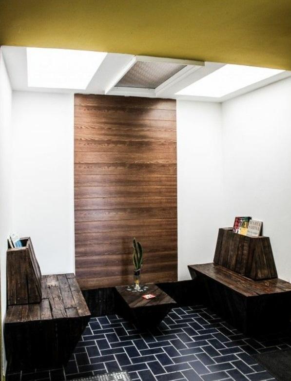 Flur Sitzbank aus Holzpaletten verleiht eine rustikale Note