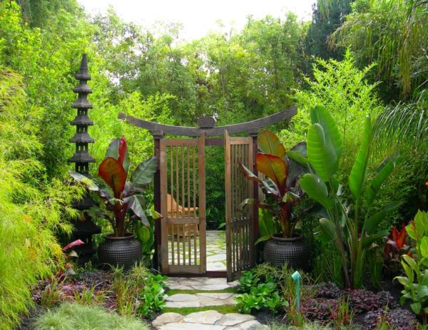 japanisch zen garten anlegen sichtschutz zaun pflanzen. Black Bedroom Furniture Sets. Home Design Ideas