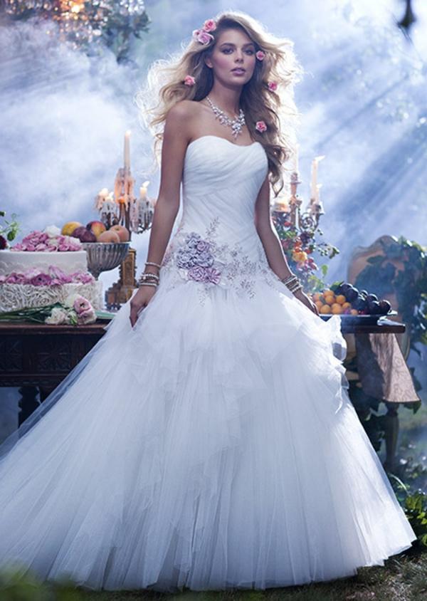Die Schönsten Brautkleider Inspiriert Von Den Disney Prinzessinnen