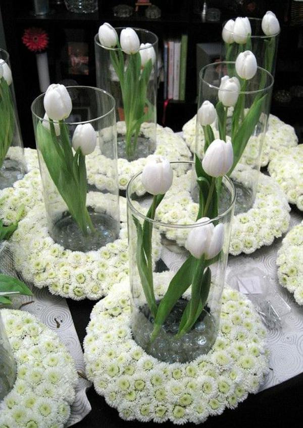 Tischdeko mit Tulpen  festliche Tischdeko Ideen mit Frhligsblumen