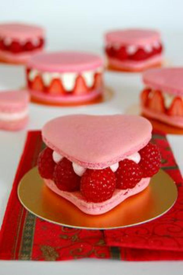 Valentinstag Torte  einen leckeren Herzkuchen backen