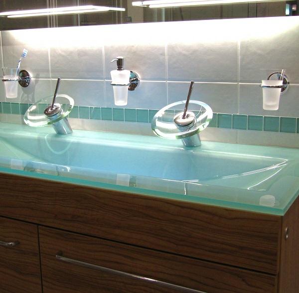 Badmbel Doppelwaschtisch als eine schicke und praktische Badidee