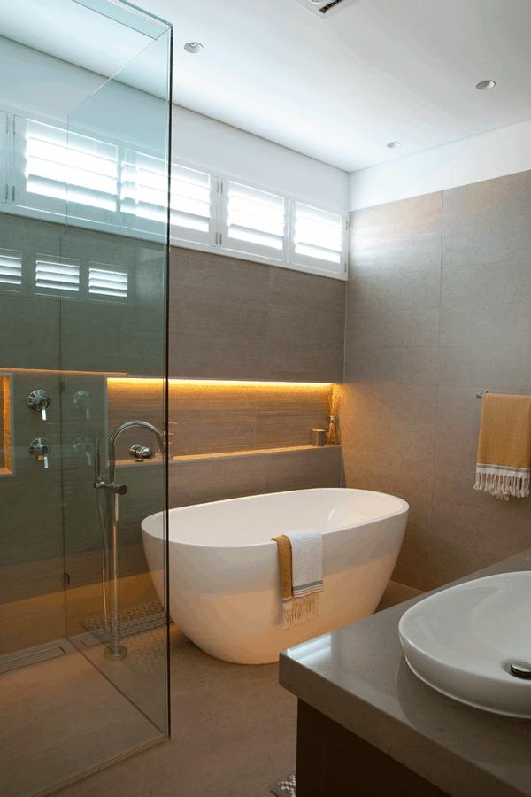 Moderne Badezimmer Mit Dusche Und Badewanne Rheumricom