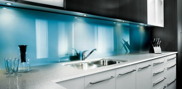 Kchenrckwand Glas  die moderne Option