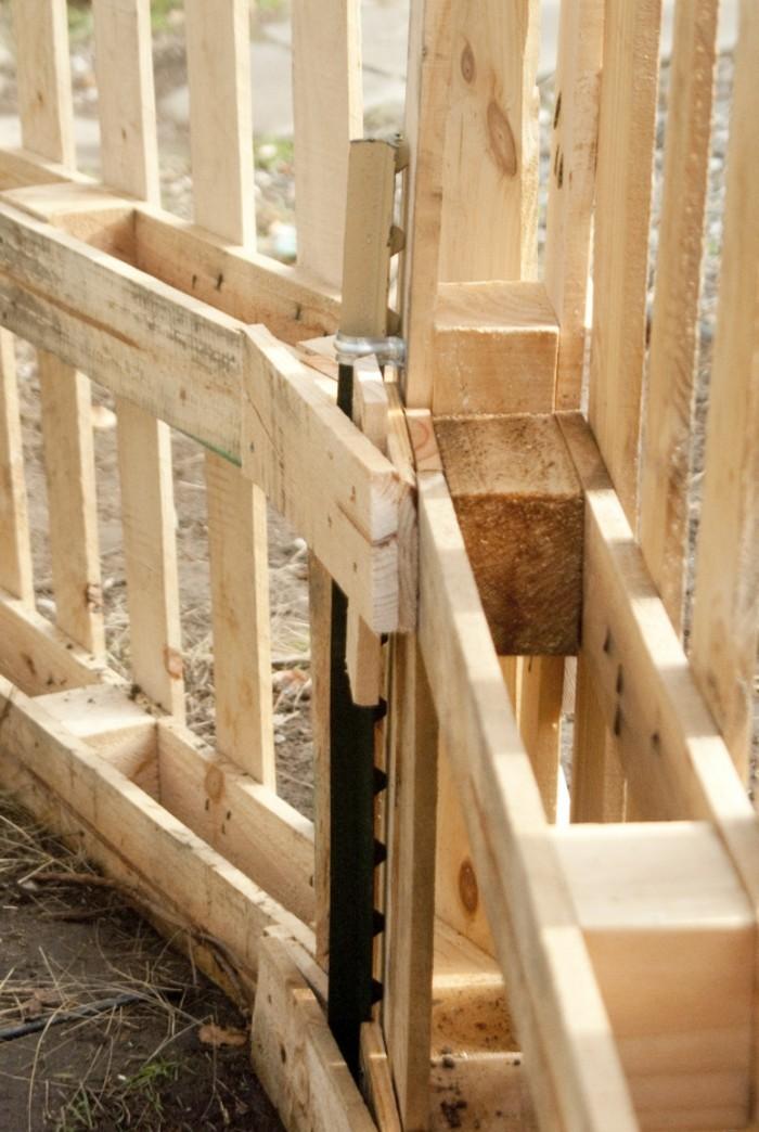 Gartenzaun selber bauen aus Paletten  Ausgefallene DIY