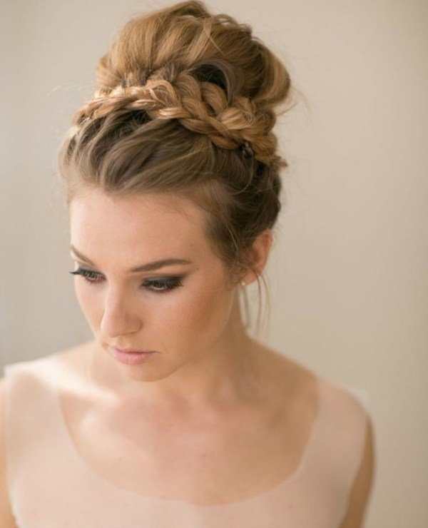 30 Hairstyles With Die Hairstyles Ideas Walk The Falls