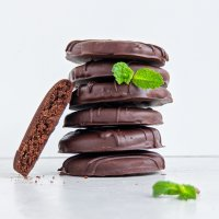 Healthy Thin Mints! (paleo, vegan option)